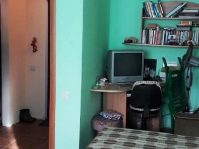 Продам 1-к квартиру, вул.Лахтинска