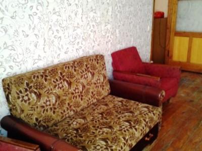 Продам 2-кімнатну квартиру вул.Перемоги