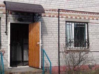 Продам заміський будинок на березі р.Дніпро