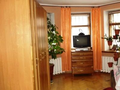 Продам 3-к квартиру, вул.Артема 71
