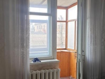 Продам кімнату в 3-к квартирі, вул. Рекордна, р-н цирку