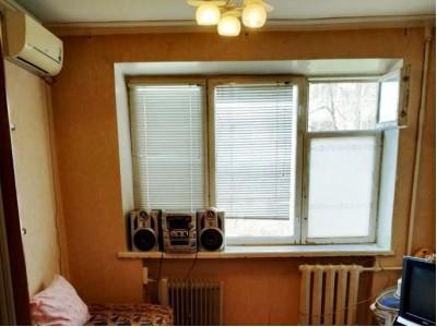 Продам кімнату в гуртожитку, Олександрівський район, вул. Поштова