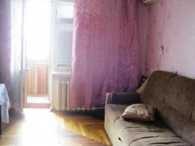 Продам 2-к квартиру, Шевченківський район, пр. Моторобудівників, район ринку Анголенко