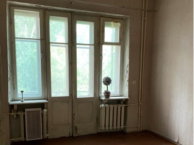 Продам 2-комн.квартиру в Дніпровському р-ні, пр. Соборний, р-н Металургів