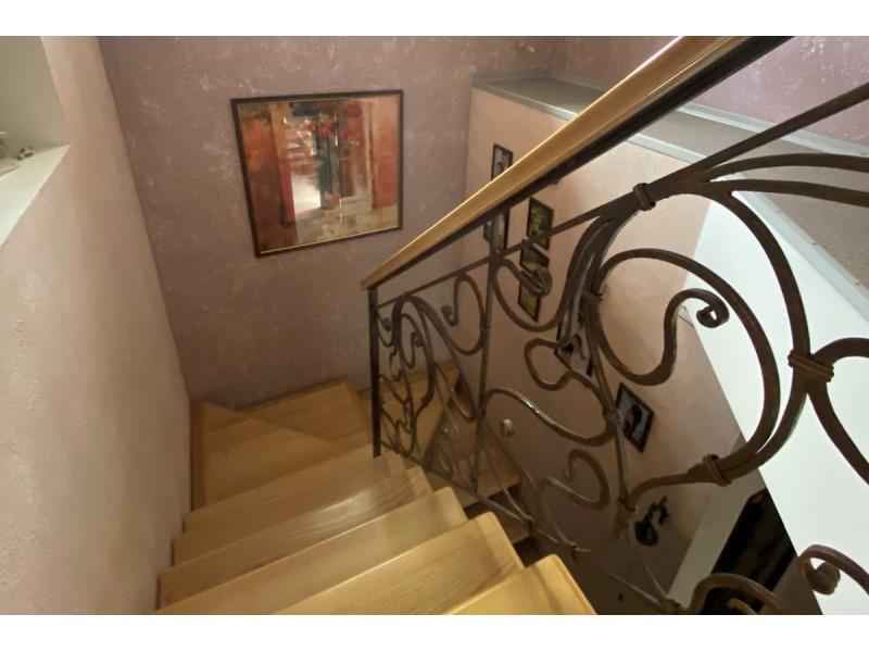 Продам 2-х поверховий будинок в р-ні Континенту Бородінської мікрорайону