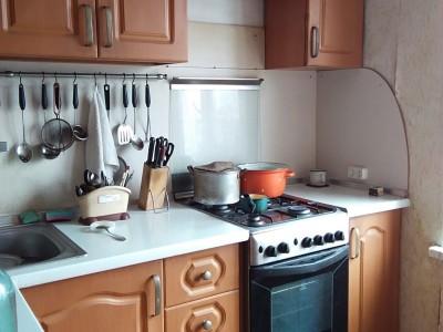 Продам 3-кiмн.квартиру в Олександрівському р-ні, вул. Шкільна