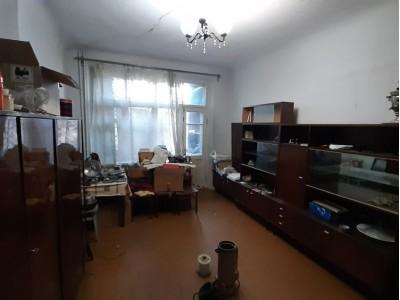 Продам 2-кімн.квартиру, Олександрівський р-н, р-н Малого ринку, вул. Олександрівська