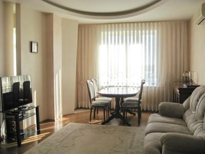 Продам! 3-х кімнатну мебльовану видову квартиру в районі Малого ринку