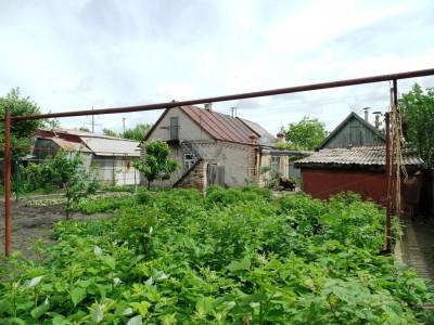 Продам півбудинку, вул. 8 березня, Шевченківський район